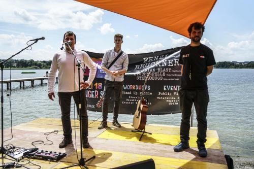 Obings Bürgermeister Josef Huber eröffnet das Zamhoidn Festival